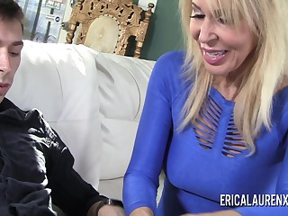 Porn Star mature Erica Lauren has a thing be expeditious for younger men