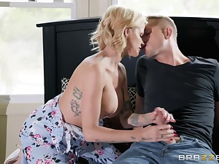 Busty blonde Joslyn James is the out-and-out skillful of fuck added to a blowjob