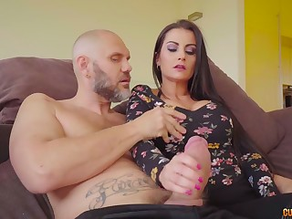 Curvy Spanish babe Bianka Despondent bows apropos give a really great blowjob
