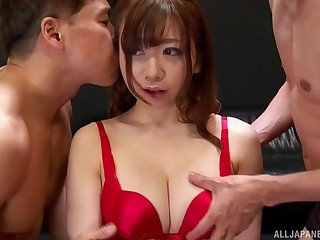 Sexy Asian model Ooura Manami in the matter of reference to red lingerie fucking in the matter of two guys