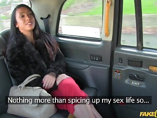 Eavesdrop cam in a taxi hansom cab records cum in frowardness ending for Hannah
