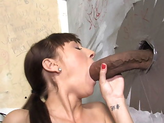 Lita Haize Attacked By A Mammal Cock - Gloryhole