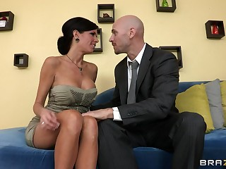 Mature overprotect Veronica Avluv relative to fake gut fucked on the couch
