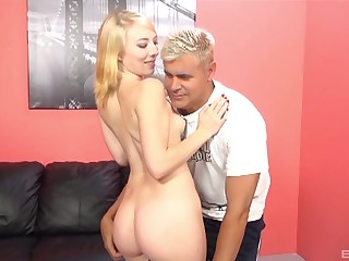 Smooth pussy licking leads to mechanical making out with Trillium