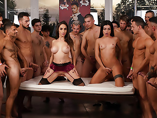 Rocco's 69 dicks Gang Bang Challenge: Malena VS Martina!