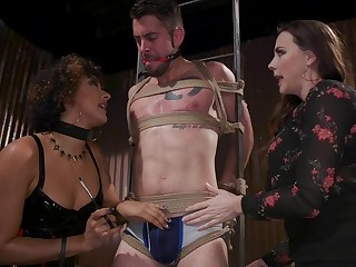 Big racked voracious whore Chanel Preston is made to driveway strong bushwa