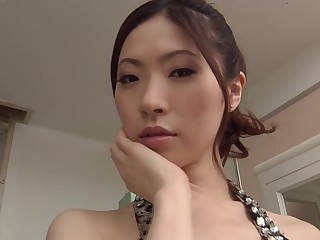 Gorgeous Asian who loves a penetration