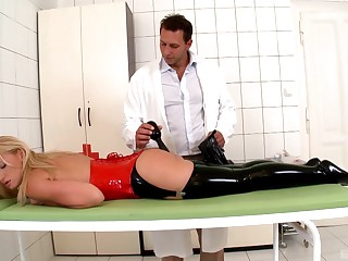 Carnal knowledge with the duteous blonde after a with an eye to anal toy play