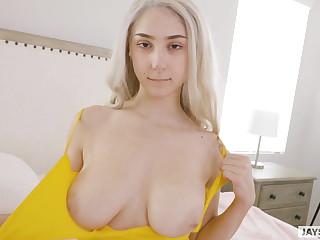 Huge natural soul twerking cum slut